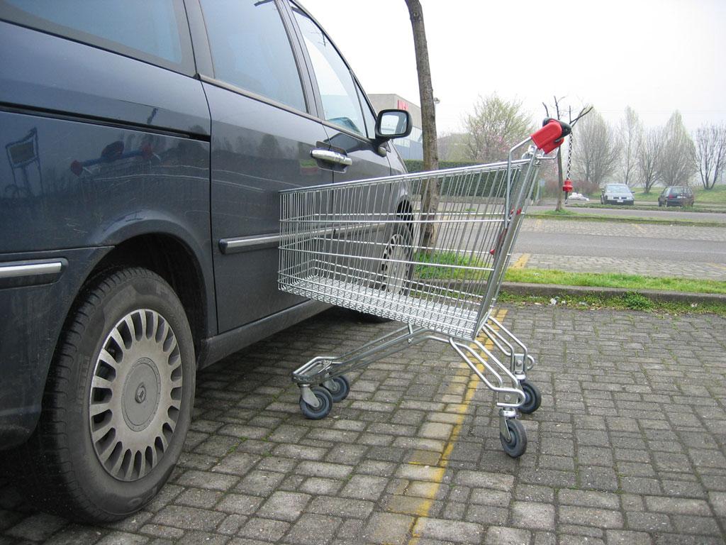 Anche in un parcheggio la vostra auto può ricevere piccole ammaccature
